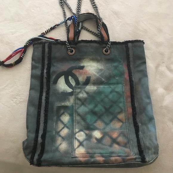 ade9f4ac191557 CHANEL Handbags - Chanel Graffiti Printed Canvas Tote